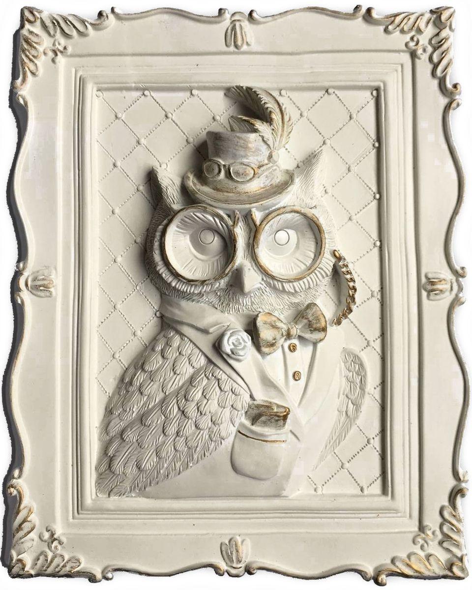 Украшение декоративное Magic Home Филин, 23 х 19 х 5 см. 4437044370Украшение декоративное Филин (из полирезины). Такое украшение не только подчеркнет ваш изысканный вкус, но и станет прекрасным подарком для родных и близких.