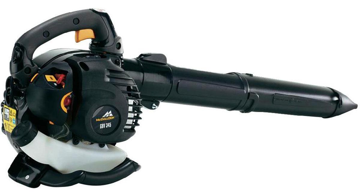 Воздуходув-пылесос McCulloch GBV345, механическая, цилиндрическая9671670-01Эффективный управляемый одной рукой инструмент с возможностью работы либо в режиме воздуходува, либо в режиме пылесоса (с измельчением собираемого мусора). Идеально подходит для сдувания или сбора остатков скошенной травы, опавшей листвы или мелкого мусора. Оснащен соплом, которое легко отсоединяется. Быстрый и легкий запуск благодаря топливному насосу. Интуитивно понятное и удобное управление. Рукоятка защищена от воздействия вибраций и оснащена удобной, приятной на ощупь мягкой накладкой. Круиз-контроль для комфортной работы. Широкое отверстие сопла повышает производительность воздуходува.Особенности: Система облегченного запускаШирокое отверстие соплаКруиз-контроль. Скорость работы вентилятора можно зафиксировать для облегчения работы.Легкое соединение сопла.