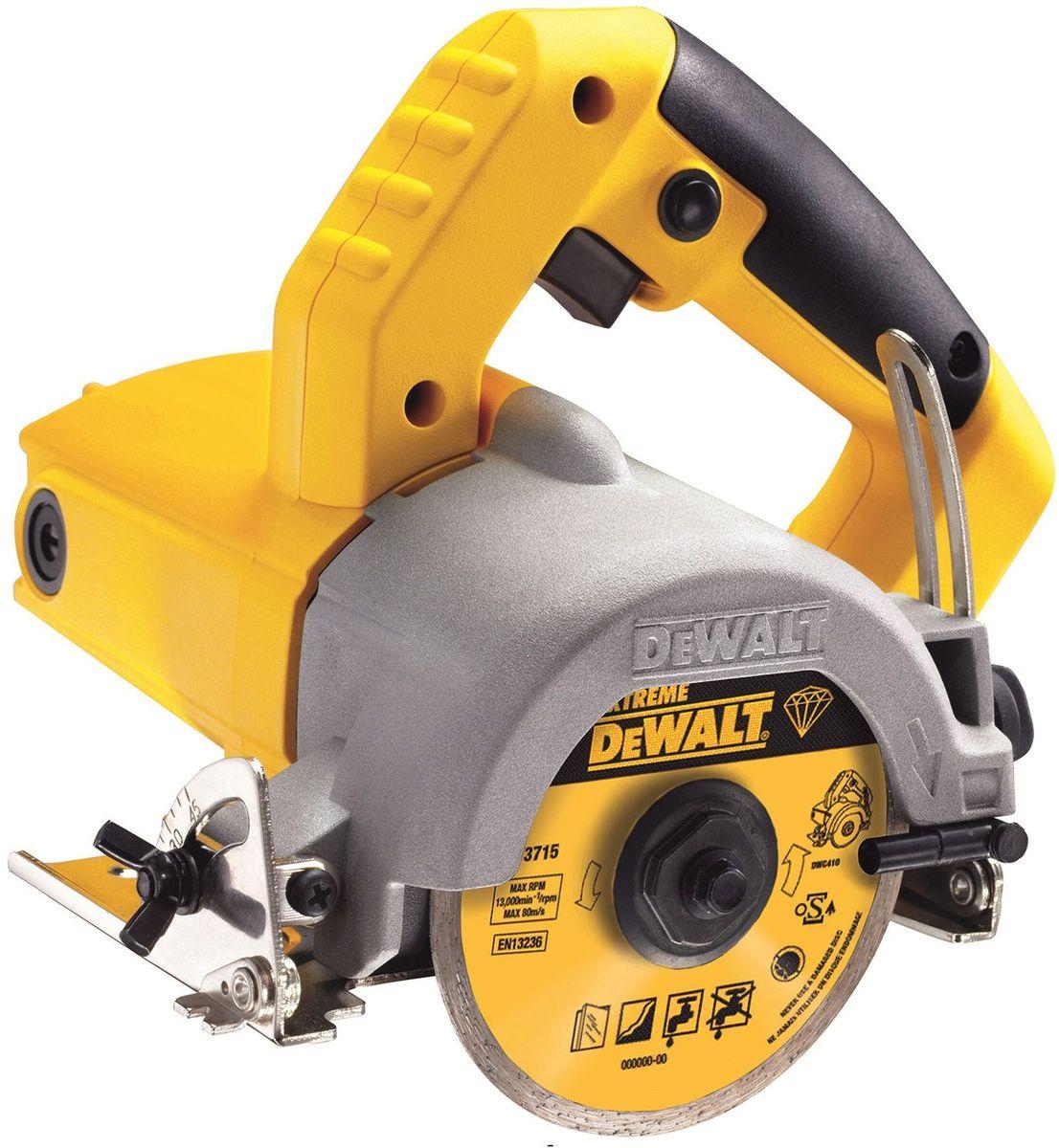 Плиткорез DeWalt DWC410DWC410Плиткорез DeWalt - приспособление для резки различных отделочных материалов, например: керамическая, облицовочная и тротуарная плитка, черепица и другие. Особенности: - 1300 Вт двигатель для работ по граниту, бетону и камню; - 110 мм диск для разных материалов, глубина реза 34 мм - мокрая или сухая резка; - Сопло для подачи воды; - Регулировка угла до 45 градусов; - Фиксация включенного состояния; - Регулировка глубины пропила; - Бесключевая регулировка глубины и угла наклона; - Легкий доступ к щеткам. Посадка - 20 мм.Держатель насадки - 3.0 мм.Уровень вибрации - 42373 м/с2.Погрешность вибрации - 42491 м/с2.Звуковое давление - 102 дБ(А).Погрешность давления создаваемого шума - 3 dB(A).Акустическая мощность - 113 дБ(А).Погрешность мощности создаваемого шума - 3 dB(A).
