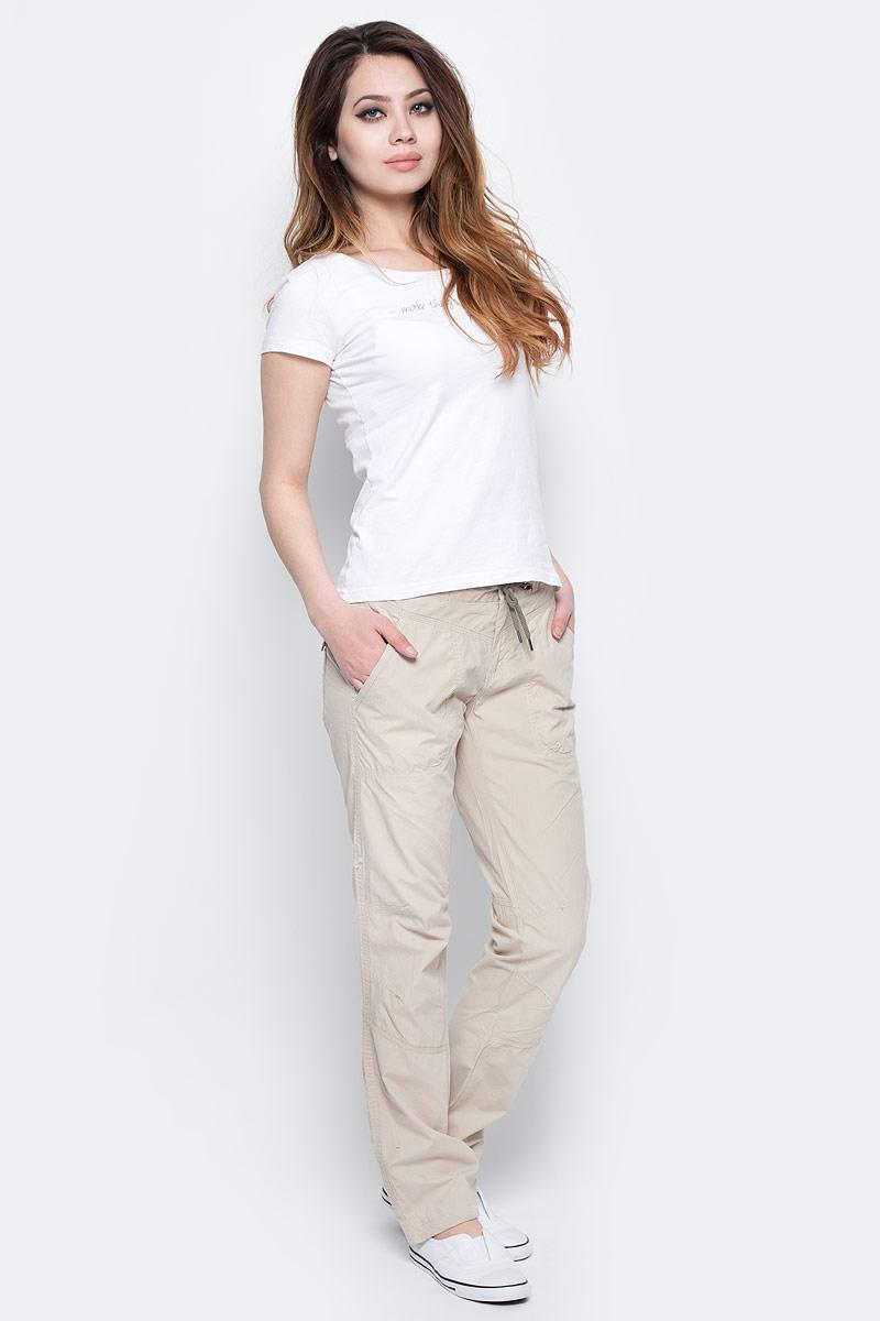 Брюки женские Columbia Down the Path Pant, цвет: бежевый. 1658321-160. Размер 8 (48)1658321-160Легкие женские брюки Columbia Down the Path Pant из 100% хлопка идеально подойдут для ежедневных прогулок в теплое время года. Материал устойчив к износу, прост в уходе, что делает модель весьма практичной. Дополнительная шнуровка на поясе обеспечивает индивидуальную посадку по фигуре. Регулировка низа изделия позволяет подогнать длину. Прямой крой не стесняет движений. Спереди модель дополнена двумя втачными карманами, а сзади - двумя накладными карманами.