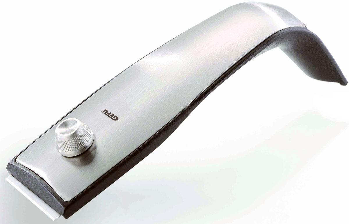 Скребок Gefu Бланко, для стеклокерамической плиты12950Очень популярные стеклокерамические и индукционные плиты требуют особого ухода за ними. Обычные абразивные губки и порошки - слишком грубая для таких поверхностей обработка, и могут оставить царапины. Гели для мытья плит не всегда справляются с пригоревшими остатками пищи. Испытанное временем решение проблемы грязных конфорок - скребок для стеклокерамической плиты Бланко. Лезвие скребка установлено под определенным углом и, при минимальном нажатии на скребок, максимально эффективно счистит любое загрязнение с поверхности варочной поверхности. В корпусе скребка можно хранить до 4-х сменных лезвий. Защита лезвия благодаря выдвижному механизму. В комплекте 2 лезвия.