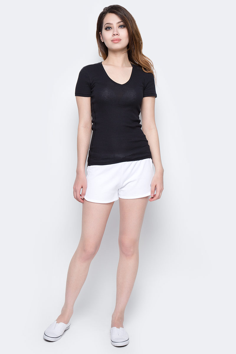 Шорты женские Calvin Klein Jeans, цвет: белый. KW0KW00133_100. Размер S (42)KW0KW00133_100Женские шорты Calvin Klein Jeans выполнены из натурального хлопка. Шорты имеют широкую эластичную резинку на поясе. Объем талии регулируется при помощи утягивающего шнурка. Модель оформлена логотипом бренда.
