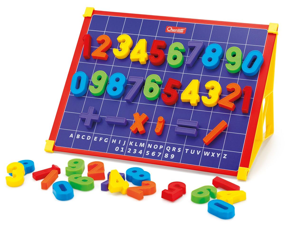 Quercetti Магнитная доска Magneta 123SD_10200Магнитная доска с цифрами и карточками. Обеспечивает развитие и обучение в процессе игры. Ребенок с легкостью выучит цифры и научится решать простые арифметические задачи.