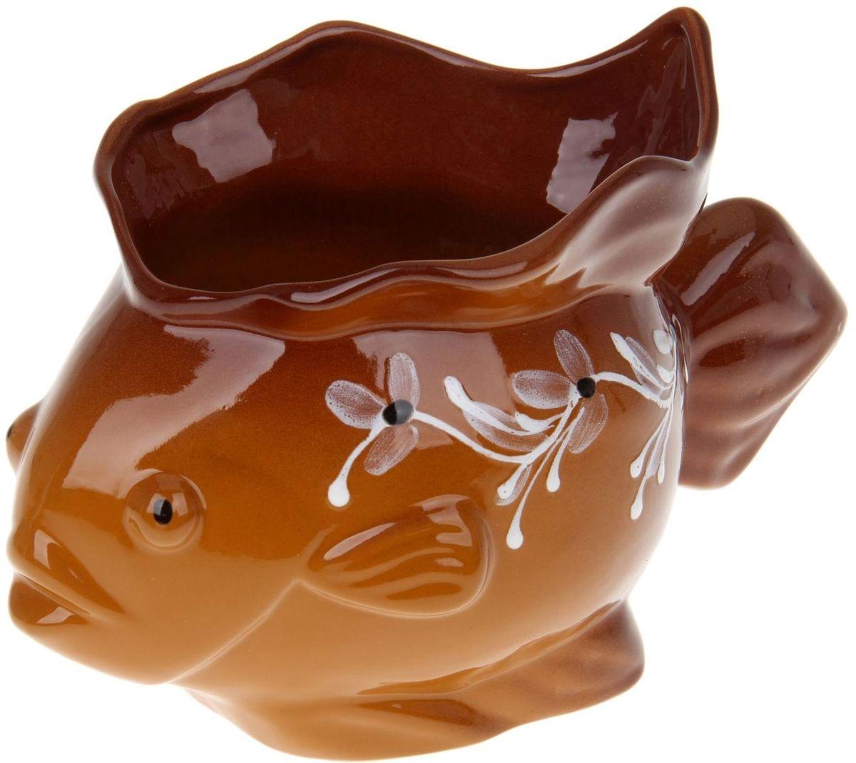 Ваза Псковский гончар Рыбка, 20 х 15 см1228196Изящная ваза Псковский гончар Рыбка изготовлена из надёжной керамики, встанет во главу стола и, конечно, исполнит три желания: создаст уют, послужит поводом для начала увлекательной беседы, сохранит цветы или фруткы свежими.Глиняная посуда обладает способностью вытягивать из людей негативную отрицательную энергию и наполнять той, которую она получила за долгие века, а то и тысячелетия от солнца, воздуха, воды, земли. Побалуйте себя необычными деталями интерьера от Псковского гончара.
