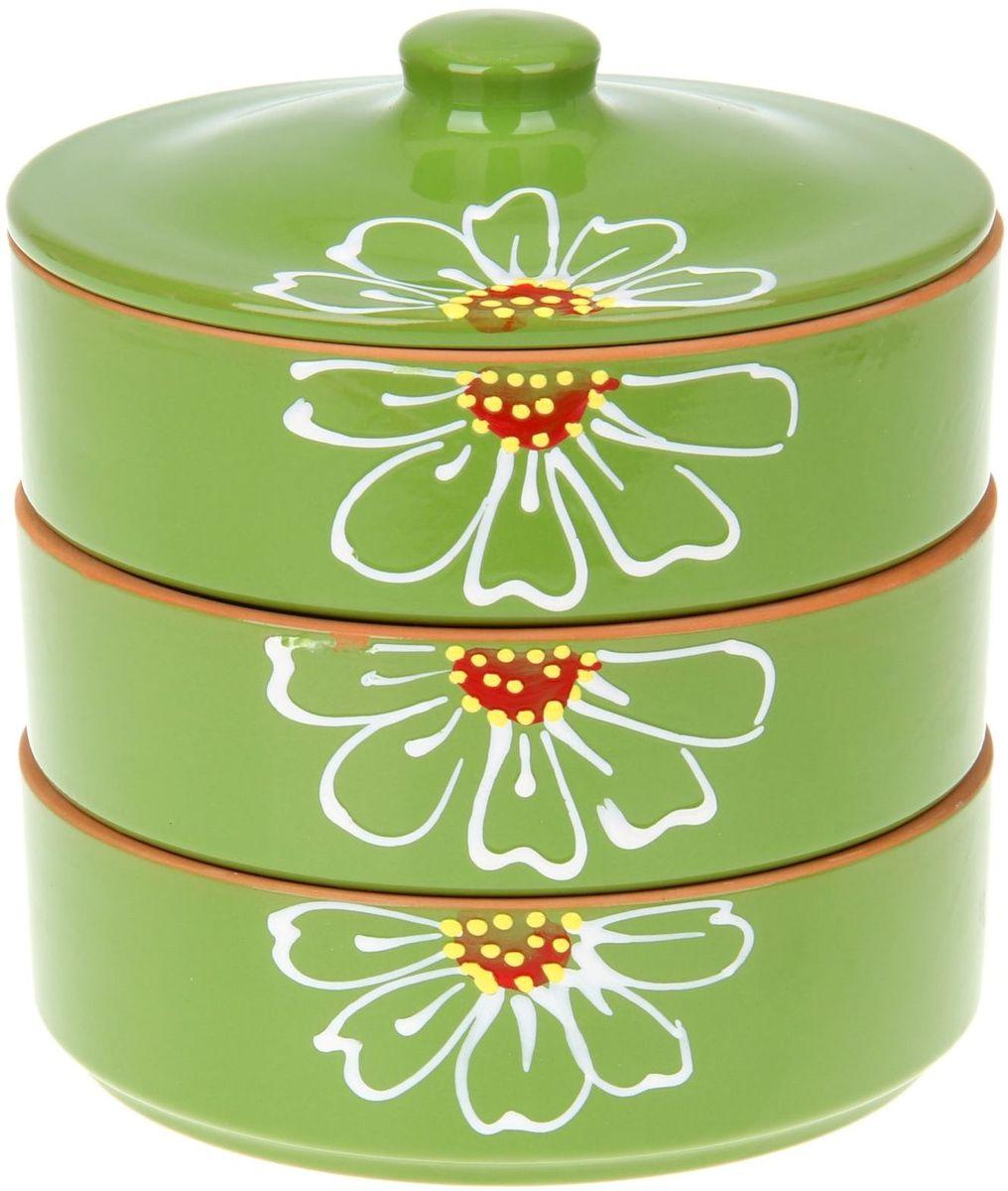 Набор блюд для холодца Псковский гончар Цветок, цвет: зеленый, 4 предмета27320Набор для холодца Цветок 3 шт. (d=17,5 см, h=5,7 см) зелёный 0,7 л будет вашим универсальным помощником! Он удобен не только для хранения холодца, но и для салатов, а также различных закусок. Набор предотвращает заветривание и сохраняет привлекательный внешний вид блюда. Вы сможете готовить непосредственно в нём: специальная керамика подходит для использования в микроволновой печи, в духовом шкафу, русской печи или на гриле.Утолщённые стенки дольше сохраняют тепло, поэтому можно не волноваться, что блюдо быстро остынет. Благодаря специальной конструкции предметы из набора можно устойчиво размещать друг на друге, что значительно сэкономит место в шкафу или холодильнике.Приятная расцветка и аккуратный рисунок будут радовать глаз при каждом использовании. Благодаря структуре глины любое блюдо, приготовленное при помощи посуды от «Псковского гончара», будет максимально вкусным и сохранит все свои полезные качества.