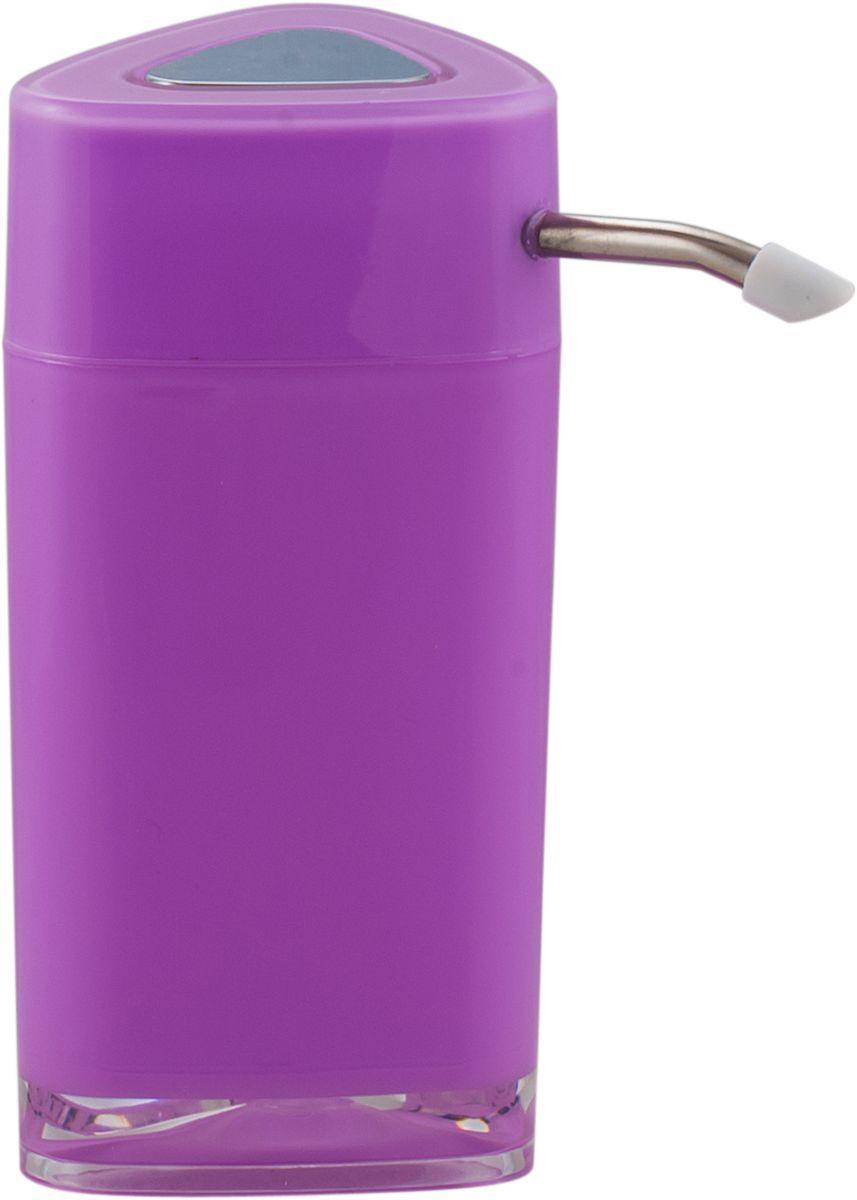 """Дозатор для жидкого мыла Swensa """"Нео"""" обеспечивает его экономный расход и упрощает процедуру умывания. Дизайн этого изделия выполнен с учетом модных тенденций оформительского искусства. Флакон дозатора имеет эргономичную форму, позволяя увеличить полезное пространство на полке в ванной или на кухонной мойке. Внешняя часть помпы изготовлена из металла, стойкого к окислению под воздействием моющих средств и воды. Конструкция помпы выдерживает многократные нагрузки."""
