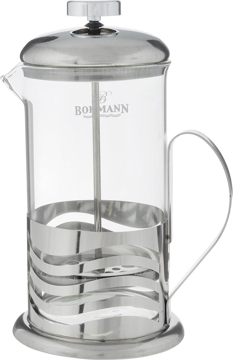 Френч-пресс Bohmann В полоску, 600 мл9560BH_в полоскуФренч-пресс Bohmann В полоску станет прекрасным выбором для повседневного использования, встречи гостей или небольших вечеринок. Колба, изготовленная их закаленного стекла, сохранит свежесть и аромат напитка. А конструкция френч-пресса, встроенного в крышку, прекрасно отфильтрует чай и кофе от заварочной гущи. Удобная ручка обеспечит надежную фиксацию в руке. Утолщенный ободок колбы повышает прочность и продлевает срок службы изделия. Насыпьте чай или кофе в стеклянную колбу, добавьте горячей воды и закройте стакан пресс-фильтром. Подождите 3-5 минут, затем медленно опустите пресс-фильтр до упора. Приятного чаепития!Френч-пресс Bohmann В полоску позволит быстро и просто приготовить чай или свежий и ароматный кофе. Объем: 600 мл.Диаметр (по верхнему краю): 9 см. Высота стенки (с учетом крышки): 20 см.