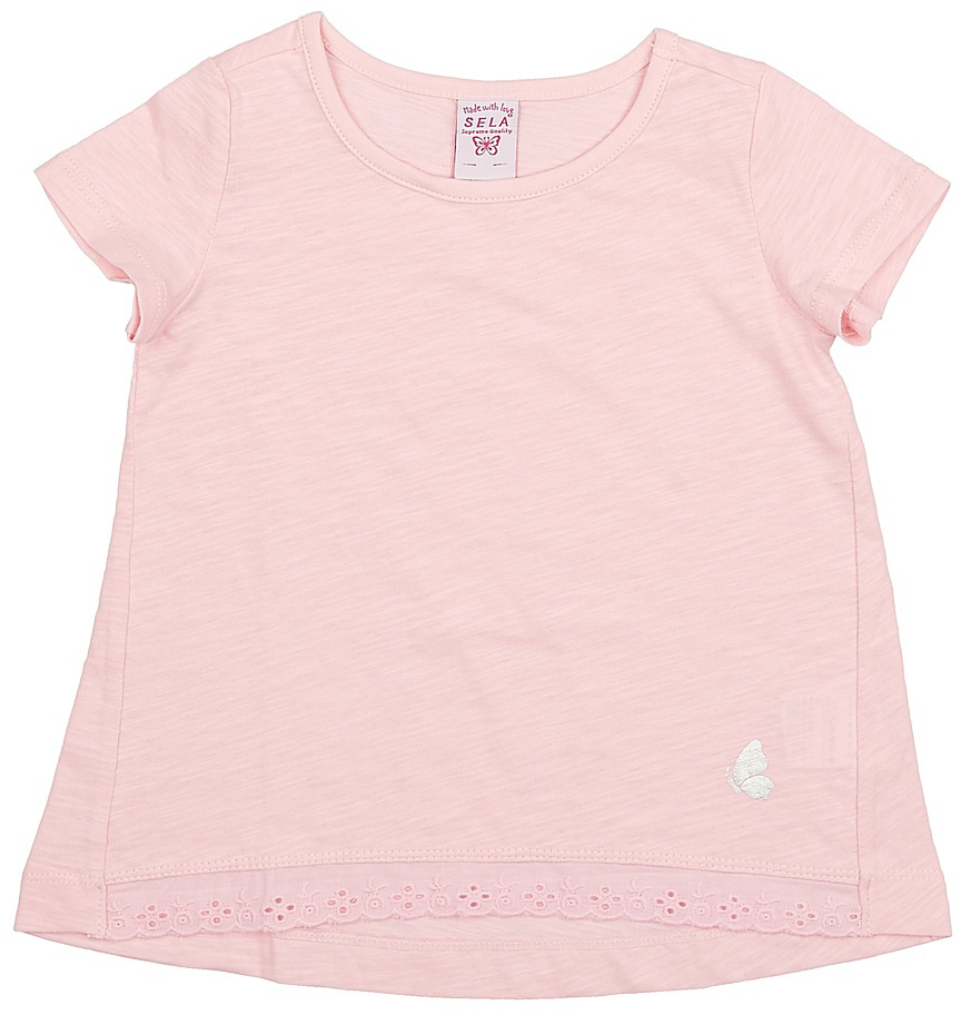 Футболка для девочки Sela, цвет: светло-розовый. Ts-511/312-7142. Размер 92Ts-511/312-7142Модная футболка для девочки Sela выполнена из натурального хлопка и оформлена кружевной вставкой по низу. Модель А-силуэта с удлиненной спинкой подойдет для прогулок и дружеских встреч и будет отлично сочетаться с джинсами, брюками и лосинами. Воротник изделия дополнен мягкой эластичной бейкой. Мягкая ткань комфортна и приятна на ощупь. Яркий цвет модели позволяет создавать стильные образы.