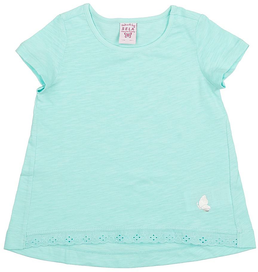 Футболка для девочки Sela, цвет: мятный. Ts-511/312-7142. Размер 110Ts-511/312-7142Модная футболка для девочки Sela выполнена из натурального хлопка и оформлена кружевной вставкой по низу. Модель А-силуэта с удлиненной спинкой подойдет для прогулок и дружеских встреч и будет отлично сочетаться с джинсами, брюками и лосинами. Воротник изделия дополнен мягкой эластичной бейкой. Мягкая ткань комфортна и приятна на ощупь. Яркий цвет модели позволяет создавать стильные образы.
