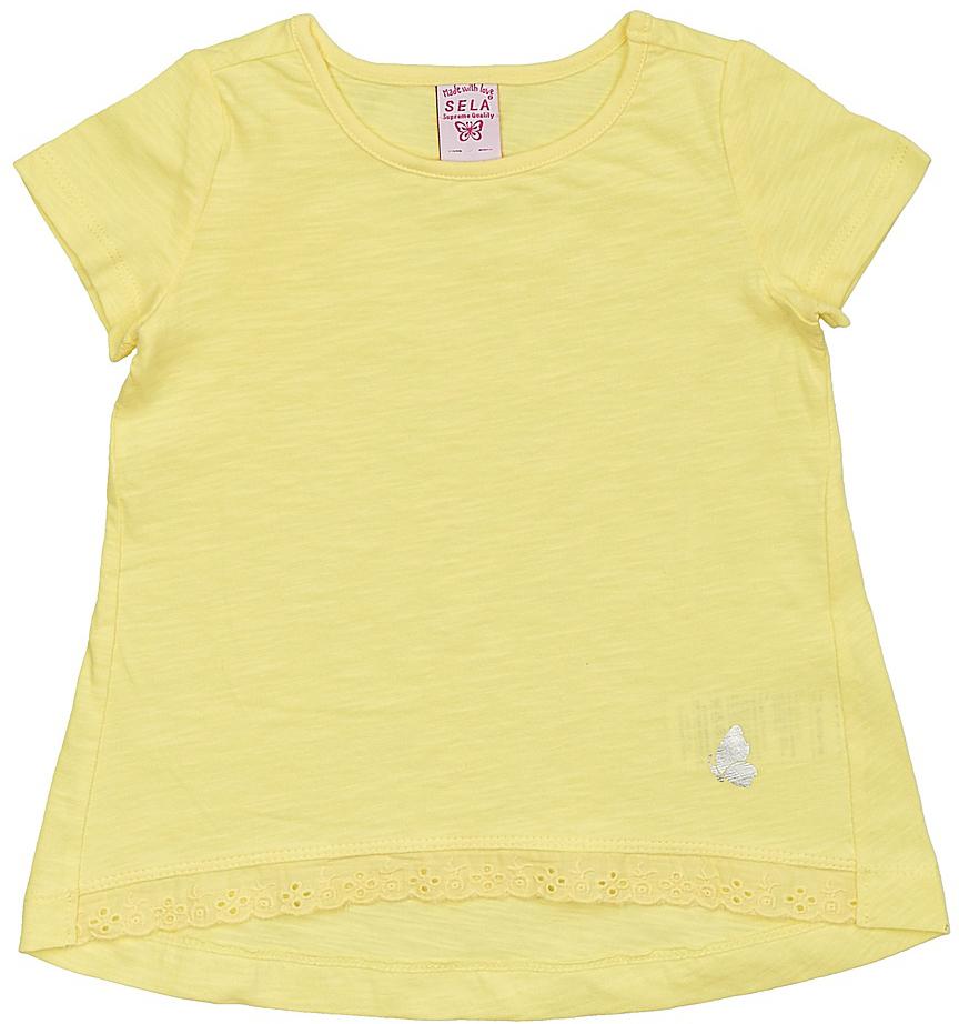 Футболка для девочки Sela, цвет: желтый. Ts-511/312-7142. Размер 92Ts-511/312-7142Модная футболка для девочки Sela выполнена из натурального хлопка и оформлена кружевной вставкой по низу. Модель А-силуэта с удлиненной спинкой подойдет для прогулок и дружеских встреч и будет отлично сочетаться с джинсами, брюками и лосинами. Воротник изделия дополнен мягкой эластичной бейкой. Мягкая ткань комфортна и приятна на ощупь. Яркий цвет модели позволяет создавать стильные образы.