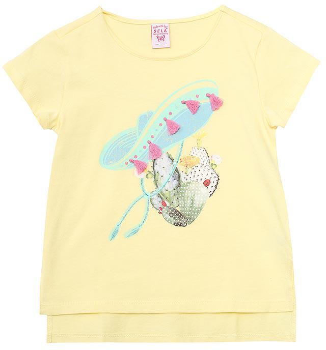 Футболка для девочки Sela, цвет: светло-желтый. Ts-611/974-7244. Размер 134Ts-611/974-7244Модная футболка для девочки Sela выполнена из натурального хлопка и оформлена ярким принтом. Модель прямого кроя с удлиненной спинкой и разрезами по бокам подойдет для прогулок и дружеских встреч и будет отлично сочетаться с джинсами и брюками, а также гармонично смотреться с юбками. Мягкая ткань комфортна и приятна на ощупь. Яркий цвет модели позволяет создавать стильные образы.