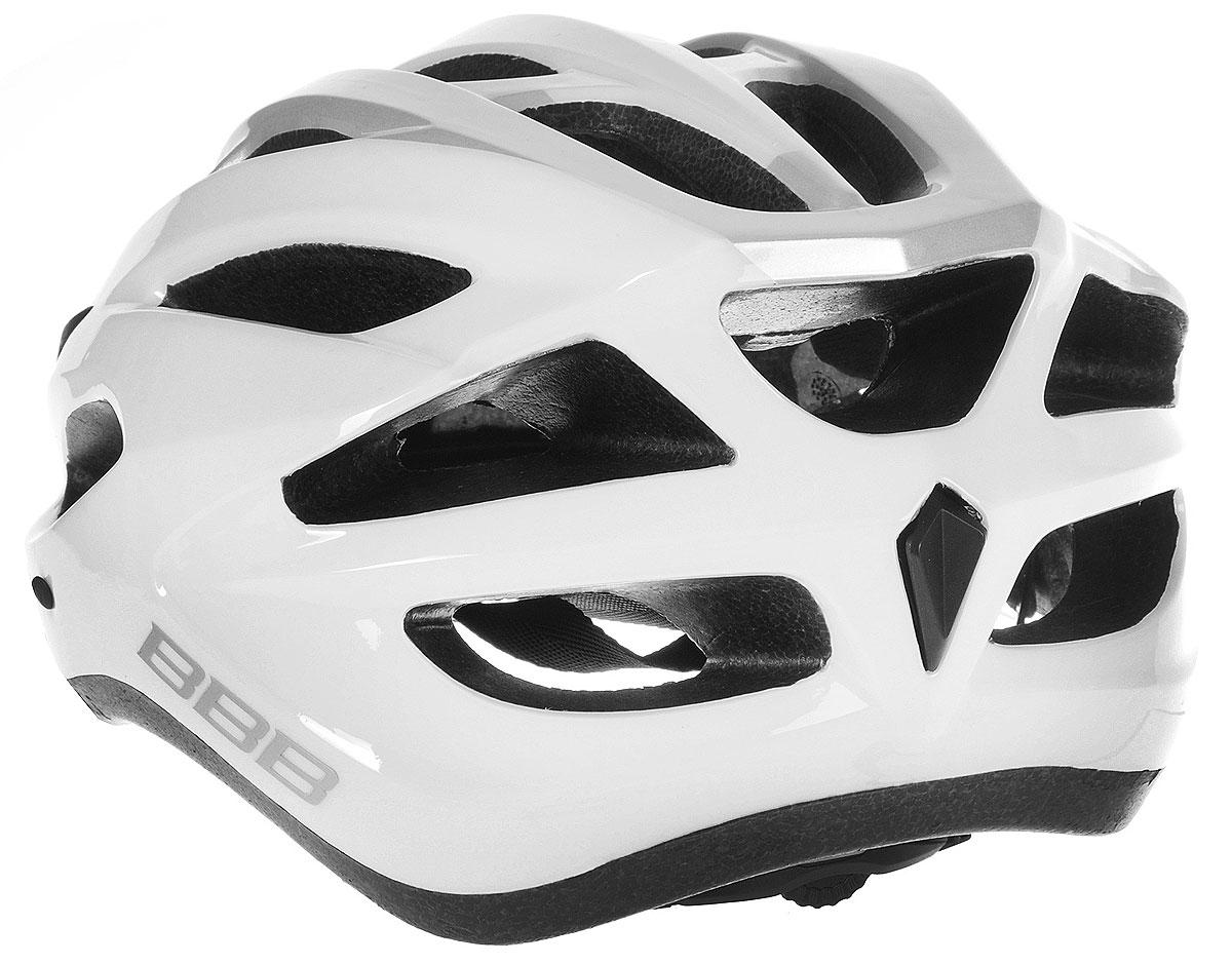 """Шлем BBB """"Condor"""", предназначенный для велосипедистов,   скейтбордистов и роллеров, снабжен настраиваемыми   ремешки для максимально комфортной посадки. Система   TwistClose - позволяет настроить шлем одной рукой.   Увеличенное количество вентиляционных отверстий   гарантирует отличную циркуляцию воздуха на разных   скоростях движения при сохранении жесткости, а отверстия   для вентиляции в задней части шлема предназначены для   оптимального распределения потока воздуха.  Шлем оснащен съемными мягкими накладками с   антибактериальными свойствами и съемным козырьком.   Внутренняя часть изделия изготовлена из пенополистирола.   Ее роль заключается в рассеивании энергии при ударе, а   интегрированная конструкция защищает голову при ударе.   Фронтальные отверстия изделия прикрыты мелкой сеткой   для защиты от насекомых. Верхняя часть шлема,   выполненная из прочного пластика, препятствует   разрушению изделия, защищает шлем от прокола и   позволять ему скользить при ударах. Способность шлема скользить по поверхности является   важной его характеристикой, так как при падении движение   уменьшается не сразу, а постепенно, снижая тем самым   нагрузку на голову и шею.  Надежный шлем с ярким дизайном имеет светоотражающие   наклейки на задней части изделия. Такой шлем обеспечит   высокую степень защиты, а 18 вентиляционных отверстий   сделают катание максимально комфортным.  Размер: L. Обхват головы: 58-61,5 см.      Гид по велоаксессуарам. Статья OZON Гид"""