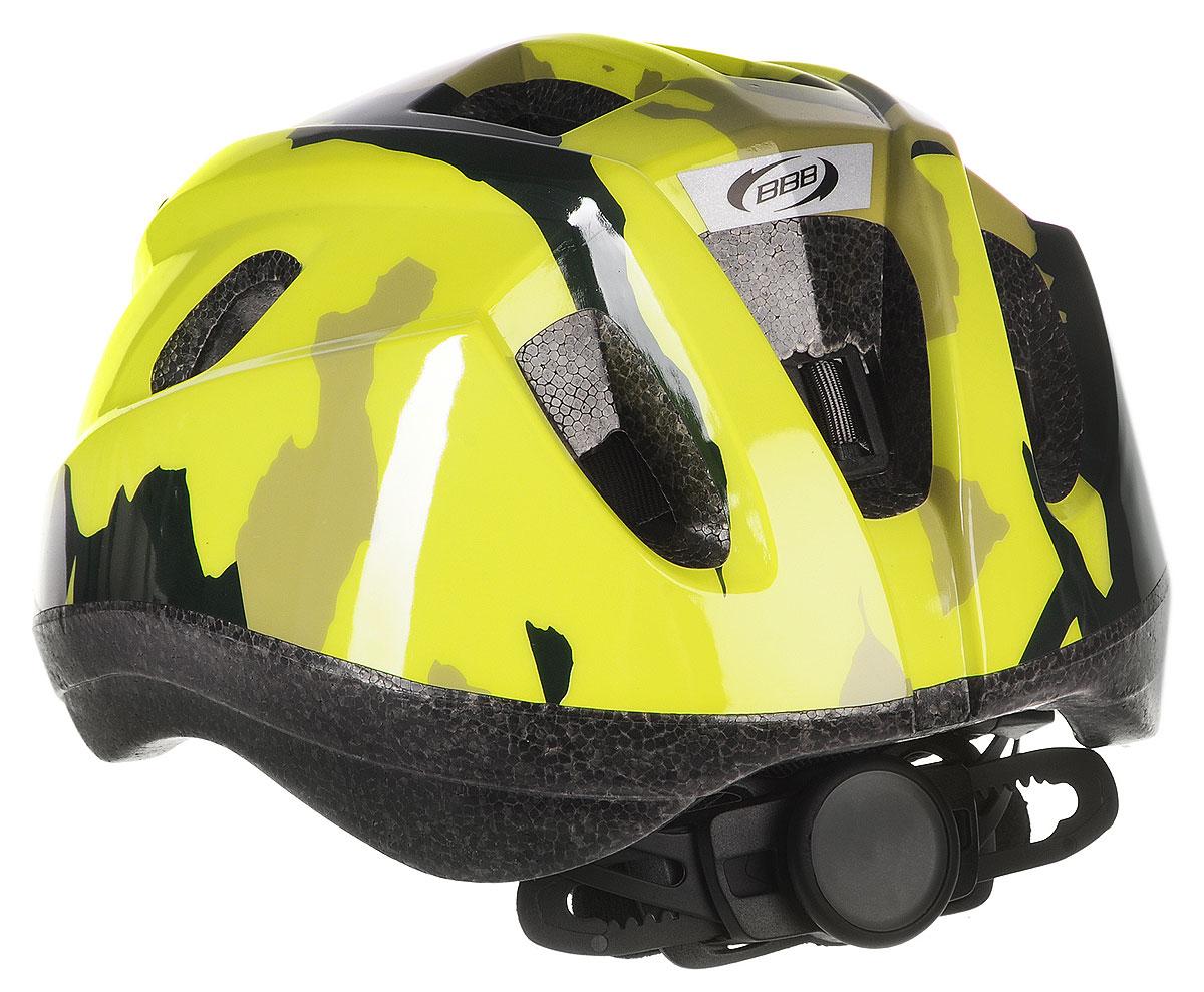 """Детский шлем BBB """"Boogy. Камуфляж"""" предназначен для  велосипедистов, скейтбордистов и роллеров.  Изделие снабжено настраиваемыми ремешками для  максимально комфортной посадки. Система TwistClose -  позволяет настроить шлем одной рукой. Увеличенное  количество вентиляционных отверстий гарантирует  отличную циркуляцию воздуха на разных скоростях движения  при сохранении жесткости.  Шлем оснащен съемными мягкими накладками с  антибактериальными свойствами.  Внутренняя часть изделия изготовлена из пенополистирола.  Ее роль заключается в рассеивании энергии при ударе, что  защищает голову. Верхняя часть шлема, выполненная из  прочного пластика, препятствует разрушению изделия,  защищает шлем от прокола и позволять ему скользить при  ударах.  Способность шлема скользить по поверхности является  важной его характеристикой, так как при падении движение  уменьшается не сразу, а постепенно, снижая тем самым  нагрузку на голову и шею.  Надежный шлем с ярким дизайном имеет светоотражающие  наклейки на задней части изделия.  Такой шлем обеспечит высокую степень защиты вашего  ребенка. А 12 вентиляционных отверстий сделают  катание максимально комфортным. Размер: S.  Обхват головы ребенка: 48-54 см."""