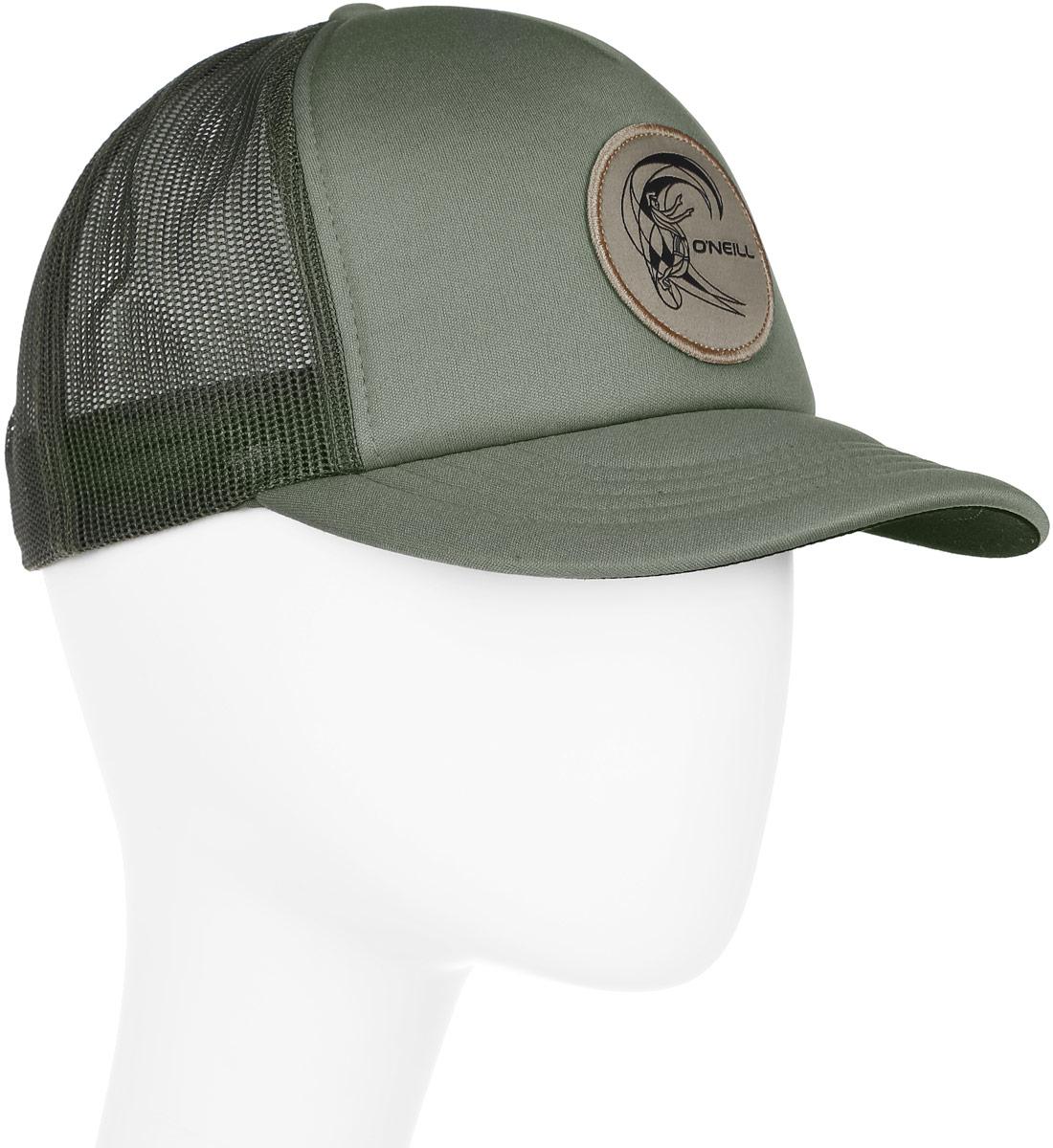 Бейсболка мужская ONeill Bm Trucker Cap, цвет: оливковый. 7A4110-6103. Размер универсальный7A4110-6103Бейсболка ONeill, выполненная из 100% полиэстера, станет незаменимым аксессуаром в летний сезон. Модель защитит голову от перегрева, а глаза от яркого света. Бейсболка имеет 5-панельный дизайн и сетку сзади для вентиляции и прохлады в жару. Модель спереди дополнена нашивкой с названием бренда. Обхват головы регулируется с помощью пластикового ремешка сзади.