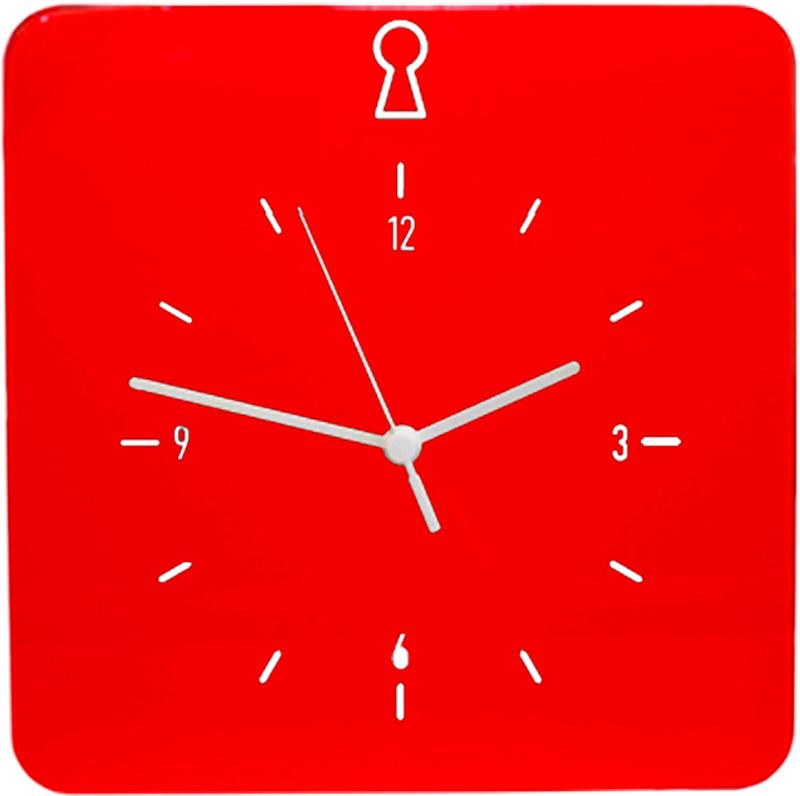Ключница настенная Byline, с часами, цвет: красный. 108.3254.05108.3254.05Ключница настенная Byline, замаскированная под часы - замечательный универсальный аксессуар с оригинальным дизайном и полезными практичными функциями. Часы легко впишутся в интерьер, спальни, гостиной и даже деткой комнаты. А хранить ключи, флешки и мелкие детали в таком ящике не только практично, но и приятно. Изготовленный из ярких глянцевых материалов он не боится влажности и солнечных лучей.