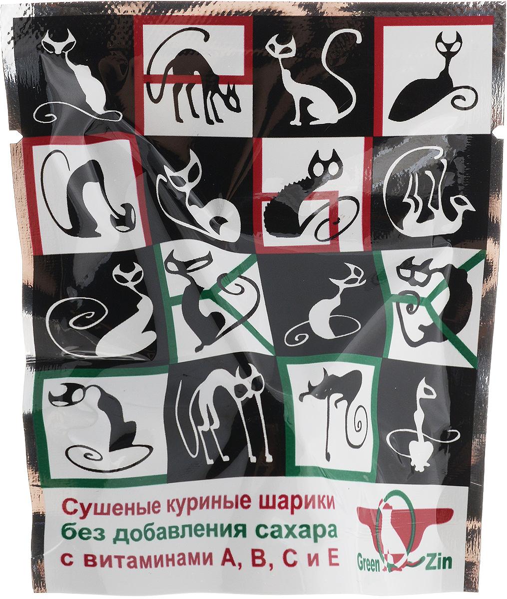 Лакомство для кошек GreenQZin Прыг-скок, витаминная конфетаVTSw-pЛакомство для кошек GreenQZin Прыг-скок содержит только натуральные компоненты: куриное мясо и выжимку свежих фруктов. Лакомство выполнено в виде конфеты-лизуна. Чтобы открыть лакомство, удалите защитную пленку с клеящейся пластиковой основы и приклейте лакомство в любом доступном для кошки месте. Снимите прозрачный колпачок с мясного шарика и позвольте кошке наслаждаться превосходным вкусом деликатеса. Процесс слизывания способствует правильному и более полному усвоению витаминов вместе со слюной в полости рта. Такая конфета развивает ловкость и сметливость кошки, а также делает процесс еды увлекательной игрой. Товар сертифицирован. Чем кормить пожилых кошек: советы ветеринара. Статья OZON Гид