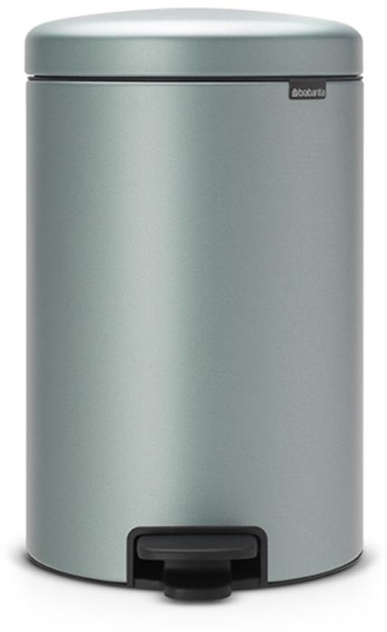 Бак мусорный Brabantia NewIcon, с педалью, цвет: мятный металлик, 20 л. 114120114120Этот 20-литровый бак с педалью – отличное решение для кухни или гостиной: большое загрузочное отверстие позволяет аккуратно собирать мусор, не просыпая на пол. Бесшумный - плавное закрывание крышки и необыкновенно мягкий ход педали. Не пропускает запах - плотно прилегающая крышка. Устойчивый - специальное устройство, предотвращающее опрокидывание бака. Не повреждает пол - нескользящее основание. Удобная очистка - съемное внутреннее пластиковое ведро. Бак удобно перемещать - специальная ручка в блоке крепления крышки. Всегда опрятный вид - в комплекте идеально подходящие по размеру мешки для мусора PerfectFit (размер D). Изготовлен на 40% из переработанных материалов, подлежит вторичной переработке вместе с упаковкой на 98%. Сертификат соответствия концепции регенерации Cradle to Cradle.