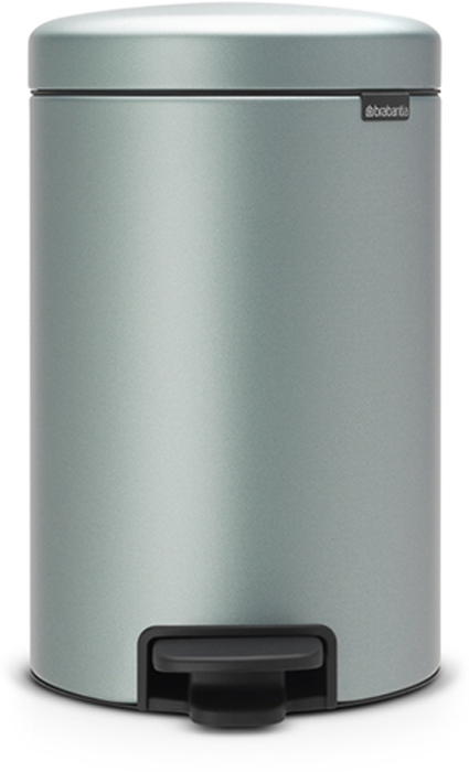 Бак мусорный Brabantia NewIcon, с педалью, цвет: мятный металлик, 12 л. 113765113765Этот 12-литровый бак с педалью достаточно вместителен и при этом достаточно компактен для размещения под рабочим столом – отличное решение для кухни или гостиной.Бесшумный - плавное закрывание крышки и необыкновенно мягкий ход педали. Не пропускает запах - плотно прилегающая крышка. Устойчивый - специальное устройство, предотвращающее опрокидывание бака. Не повреждает пол - нескользящее основание. Удобная очистка - съемное внутреннее пластиковое ведро. Бак удобно перемещать - специальная ручка в блоке крепления крышки. Всегда опрятный вид - в комплекте идеально подходящие по размеру мешки для мусора PerfectFit (размер C). Изготовлен на 40% из переработанных материалов, подлежит вторичной переработке вместе с упаковкой на 98%. Сертификат соответствия концепции регенерации Cradle to Cradle.
