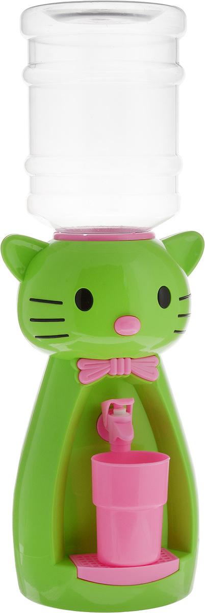 Мини-кулер для воды и сока HITT Мультик. Китти, цвет: зеленый, розовый, 2 лН25200_зеленый, розовыйДетский мини-кулер HITT Мультик. Китти выполнен из экологически чистого пластика. Изделие не греет и не охлаждает воду, поэтому вы можете не беспокоиться, что ребенок обожжется или простудит горло. Соки, компоты, отвары трав в этом кулере будут для малыша более привлекательны, чем лимонад и другие вредные для организма напитки. Кроха с удовольствием будет наливать напиток из кулера в небольшой стаканчик совсем как взрослый. Изделие легкое и компактное, поэтому его можно взять с собой на дачу или на пикник. Яркий дизайн, сочные цвета и веселый персонаж сделают такой кулер украшением стола на детском празднике.Ребенок станет потреблять больше жидкости. Вам не придется уговаривать его выпить молоко или компот.Стакан входит в комплект.Высота мини-кулера (с учетом бутылки): 49 см. Размер стаканчика: 6,5 х 5 х 8,5 см. Высота бутылки: 18 см.