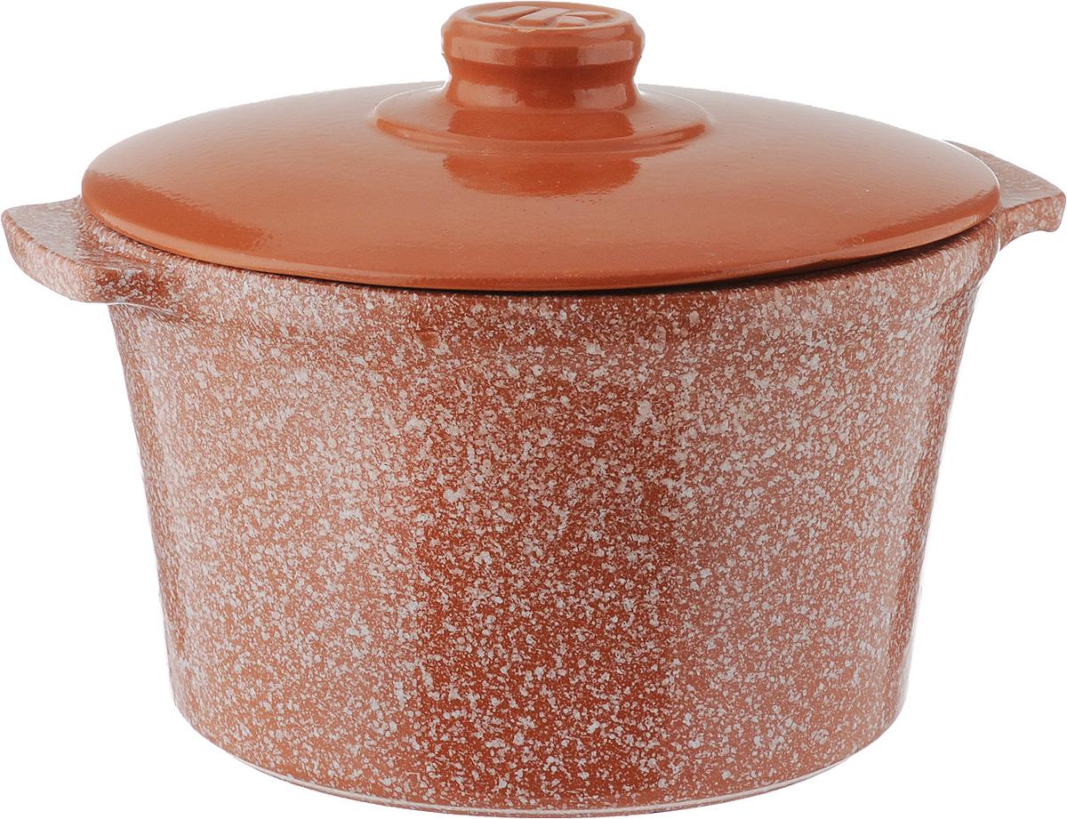 Кастрюля керамическая Ломоносовская керамика с крышкой, цвет: оранжевый, белый, 3 л1КТмт-3Кастрюля Ломоносовская керамика выполнена из высококачественной термостойкой керамики. Покрытие абсолютно безопасно для здоровья, не содержит вредных веществ. Кастрюля оснащена удобными боковыми ручками и керамической крышкой с силиконовой насадкой для безопасного использования. Крышка плотно прилегает к краям посуды, сохраняя аромат блюд.Подходит кастрюля для использования на всех типах плит, кроме индукционных. Для использования на индукционных плитах требуется специальный диск.Можно использовать в духовке и СВЧ. Разрешено мыть в посудомоечной машине. Диаметр кастрюли (по верхнему краю): 21,5 см.Высота стенки: 13 см.Диаметр дна: 16,5 см. Ширина кастрюли (с учетом ручек): 25 см.