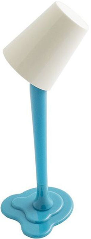 Эврика Ручка шариковая Лампа с подсветкой цвет корпуса синий97091Удивительная светящаяся настольная ручка-лампа на подставке создает иллюзию, будто небольшое ведерко с краской зависло в воздухе. Стильная, яркая, необычная вещица украсит собой рабочий стол, подсветит подписываемый документ и удивит коллег.