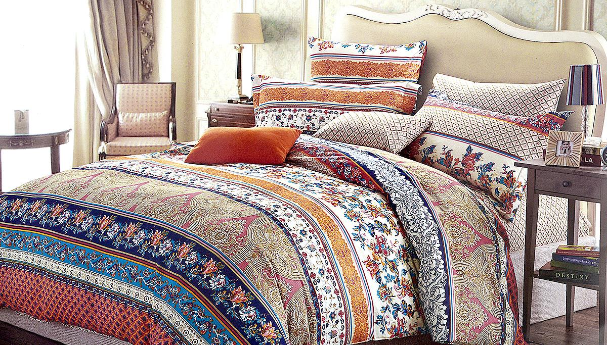 Комплект белья МарТекс Импульс, 1,5-спальный, наволочки 70х70, цвет: белый, синий, оранжевый01-0513-1Комплект постельного белья МарТекс Импульс состоит из пододеяльника, простыни и двух наволочек и изготовлен из качественного сатина. Постельное белье оформлено оригинальным ярким рисунком и имеет изысканный внешний вид. Сатин - вид ткани, произведенный из натурального хлопка. Материал имеет все свойства хлопка: не аллергенен, прочен, почти не мнется и хорошо гладится. Благодаря натуральному хлопку, постельное белье приобретает способность пропускать воздух, давая возможность телу дышать. Приобретая комплект постельного белья МарТекс, вы можете быть уверенны в том, что покупка доставит вам и вашим близким удовольствие и подарит максимальный комфорт.