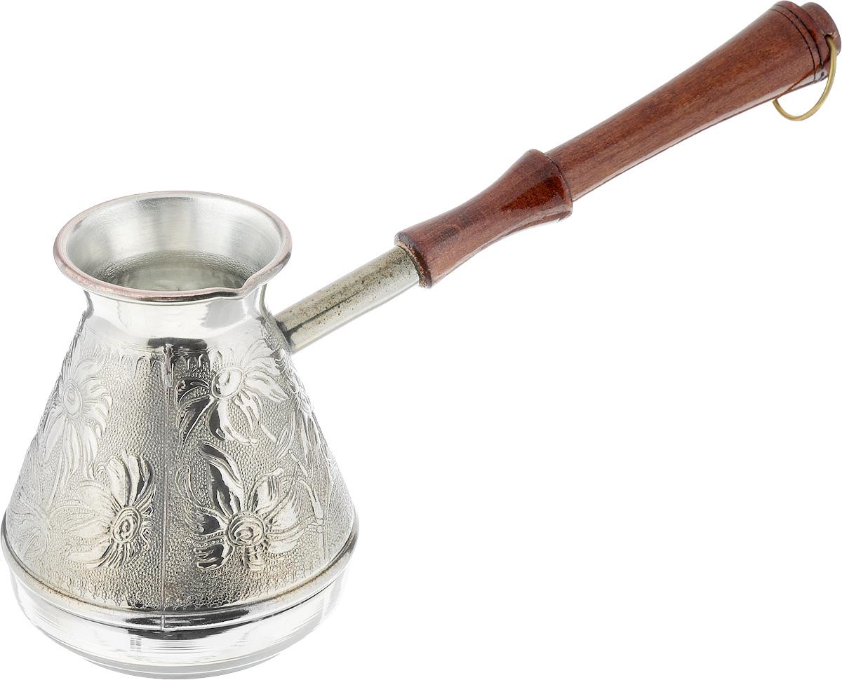 Турка Ромашка, 400 мл12392_коричневыйТурка Ромашка, изготовленная из меди, прекрасно подходит для приготовлениянастоящего кофе на плите. Внешняя поверхность имеет декоративное тиснение, что придает изделию оригинальный внешний вид. Внутренняя сторона покрыта пищевым оловом. Изделие оснащено небольшим носиком и удобной ненагревающейся деревянной ручкой с петелькой для подвешивания.Надежное крепление ручки гарантирует безопасное использование. Такая турка будет красивым дополнением в вашем уютном доме. Подходит для газовых и электрических плит. Не подходит дляиндукционных. Диаметр (по верхнему краю): 5,7 см. Высота стенки: 11 см. Длина ручки: 17,5 см.