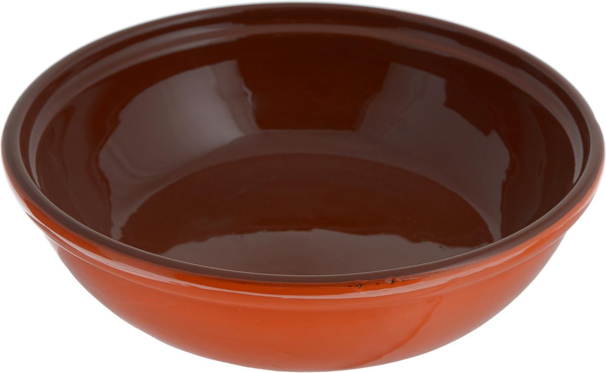 """Салатник Борисовская керамика """"Модерн"""" выполнен из высококачественной глазурованной керамики. Этот удобный салатник придется по вкусу любителям здоровой и полезной пищи. Благодаря современной удобной форме, изделие многофункционально и может использоваться хозяйками на кухне как в виде салатника, так и для запекания продуктов, с последующим хранением в нем приготовленной пищи.  Посуда термостойкая. Можно использовать в духовке и микроволновой печи.   Диаметр (по верхнему краю): 22 см. Высота стенки: 6 см."""