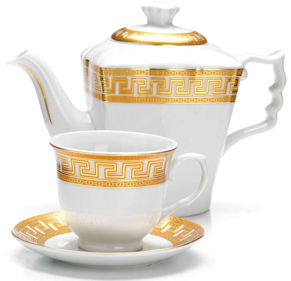 Чайный сервиз Loraine, 13 предметов. 2642526425Чайный набор Loraine на 6 персон выполнен из высококачественного фарфора белого цвета и украшен золотым орнаментом. Изящный дизайн придется по вкусу и ценителям классики, и тем, кто предпочитает утонченность и изысканность.Набор упакован в стильную подарочную коробку, оформленную изнутри белой атласной тканью. Каждый предмет надежно зафиксирован внутри коробки благодаря специальным выемкам.Чайный набор - идеальный и необходимый подарок для вашего дома и для ваших друзей в праздники, юбилеи и торжества! Также он станет отличным корпоративным подарком и украшением любой кухни.Подходит для мытья в посудомоечной машине. В наборе: 6 чашек, 6 блюдец и заварочный чайник. Объем чайника: 1 л. Объем чашки: 220 мл.