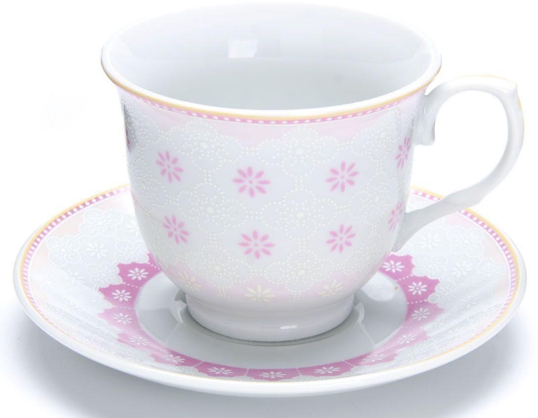 Чайный сервиз Loraine, 12 предметов, 220 мл. 2643226432Чайный набор Loraine на 6 персон, изготовленный из высококачественного костяного фарфора, состоит из 6 чашек и 6 блюдец. Набор придется по вкусу и ценителям классики, и тем, кто предпочитает утонченность и изысканность. Он настроит на позитивный лад и подарит хорошее настроение с самого утра. Набор упакован в подарочную упаковку. Такой чайный набор станет прекрасным украшением стола, а процесс чаепития превратится в одно удовольствие! Это замечательный выбор для подарка родным и друзьям!Объем чашки: 220 мл.