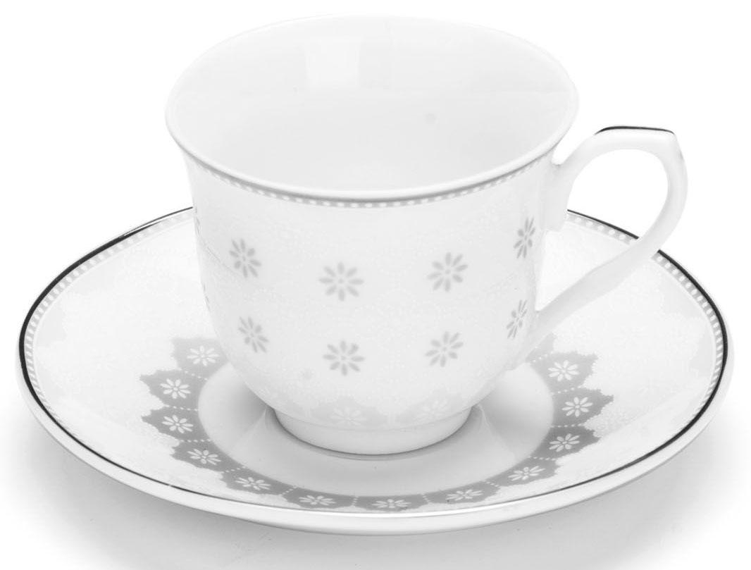 Кофейный сервиз Loraine, цвет: серый, 80 мл, 12 предметов. 2643726437Кофейный набор на 6 персон Loraine выполнен из высококачественного костяного фарфора - материала безопасного для здоровья и надолго сохраняющего тепло напитка. В наборе 6 кофейных чашек и 6 блюдец. Несмотря на свою внешнюю хрупкость, каждый из предметов набора обладает высокой прочностью и надежностью.Элегантный классический дизайн с тонкой золотой каймой делает этот кофейный набор прекрасным украшением любого стола.Набор аккуратно упакован в подарочную упаковку, поэтому его можно преподнести в качестве оригинального и практичного подарка для своих родных и самых близких.Подходит для мытья в посудомоечной машине.