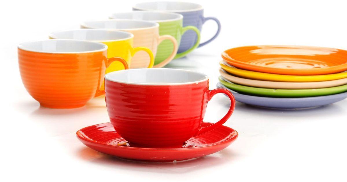 Чайный сервиз Loraine, 12 предметов, 240 мл. 2655126551Чайный набор Loraine на 6 персон, выполненный из качественной цветной керамики, состоит из 6 чашек и 6 блюдец. Изящный дизайн и красочность оформления придутся по вкусу и ценителям классики, и тем, кто предпочитает утонченность и изысканность.Чайный набор - идеальный и необходимый подарок для вашего дома и для ваших друзей в праздники, юбилеи и торжества! Набор настроит на позитивный лад и подарит хорошее настроение с самого утра!Чайный набор упакован в индивидуальную коробку.Объем чашки: 240 мл.
