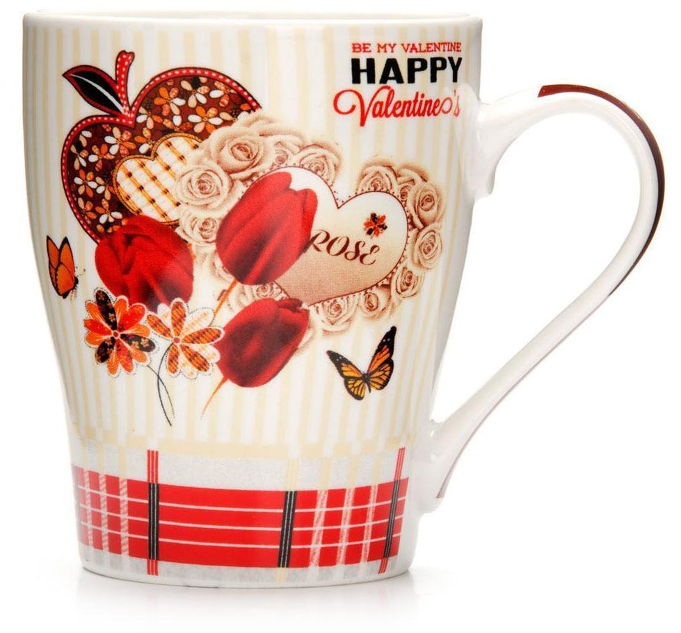 Кружка Loraine Любовь, 340 мл. 2657426574Кружка Loraine, выполненная из костяного фарфора и украшенная ярким рисунком, станет красивым и полезным подарком для ваших родных и близких. Дизайн изделия придется по вкусу и ценителям классики, и тем, кто предпочитает утонченность и изысканность.Кружка настроит на позитивный лад и подарит хорошее настроение с самого утра.Изделие пригодно для использования в микроволновой печи и холодильника.Подходит для мытья в посудомоечной машине.