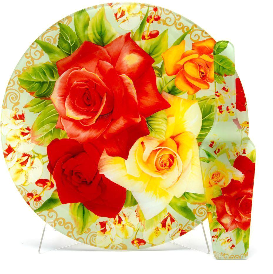 Блюдо для торта Loraine, с лопаткой, диаметр 30,5 см. 26630-526630-5Блюдо для торта Loraine с лопаткой выполнено из качественного закаленного стекла и украшено ярким рисунком. Изделие идеально подойдет для сервировки не только торта и десертов, но и различных закусок.Оригинальная и стильная тортовница станет достойным украшением вашего праздничного стола.Посуда обладает непористой поверхностью и не впитывает запахи. Легко и быстро моется.