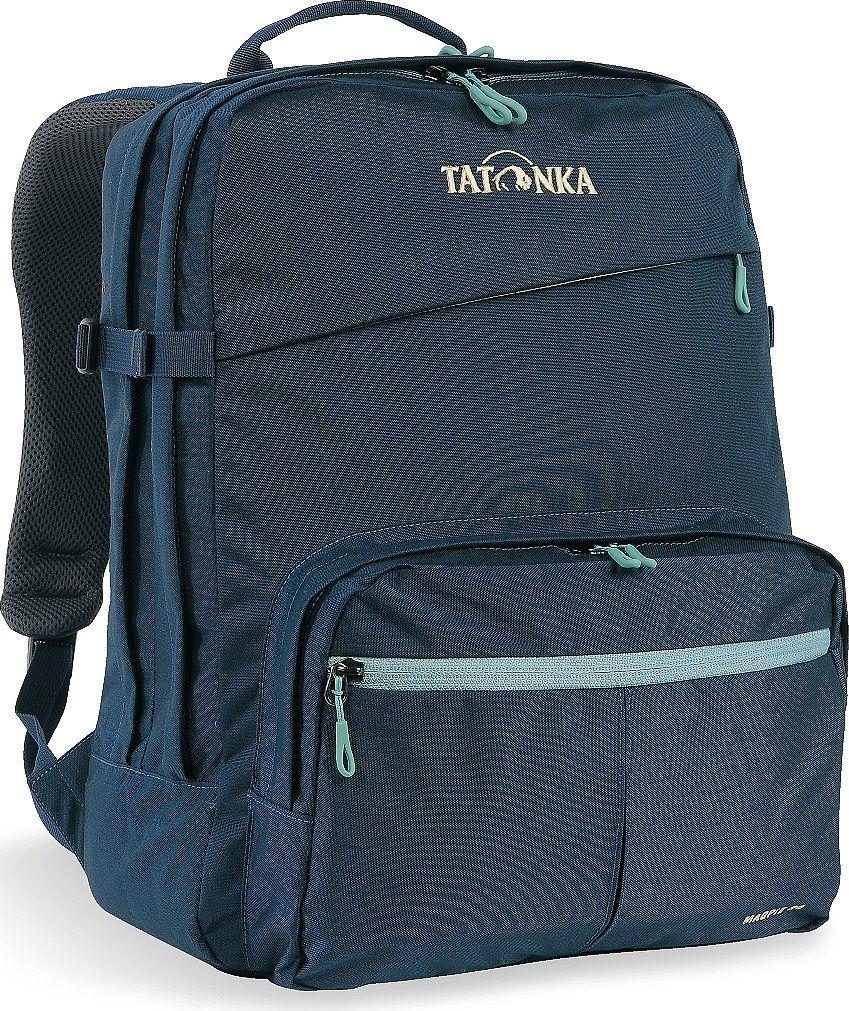 Рюкзак городской Tatonka Magpie, для учебы и работы, цвет: темно-синий, 24 л1617.004Tatonka Magpie - городской рюкзак для учебы или работы, оснащен двумя отделениями и специальным плотным отделением для ноутбука 15,4 дюйма. Спереди расположен накладной карман с органайзером. Спинка рюкзака плотная - Padded Back. Лямки мягкие за счет мягких вставок. Рюкзак выполнен из ткани Cordura, прочной и износостойкой.Преимущества и особенности:- Система подвески Padded Back;- Эргономичные плечевые лямки;- Нагрудный ремень регулируется по высоте и ширине;- Возможность крепления поясного ремня;- Компрессионные стропы;- Ручка для переноски;- Два основных отделения;- Уплотненное дно;- Передний карман с органайзером и карманом для смартфона;- Отделение для ноутбука (не у дна);- Держатель для ключей.Размер: 41 x 32 x 15 см.