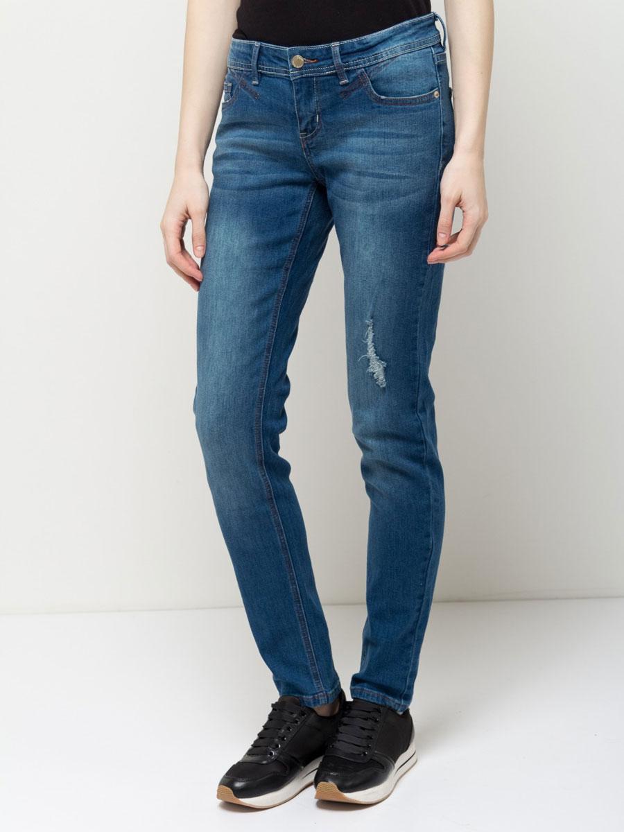 Джинсы женские Sela Denim, цвет: темно-синий джинс. PJ-135/592-7161. Размер 32-34 (48/50-34)PJ-135/592-7161Стильные джинсы Sela, изготовленные из качественного эластичного хлопка с потертостями, станут отличным дополнением вашего гардероба. Джинсы зауженного кроя и стандартной посадки на талии застегиваются на застежку-молнию и пуговицу. На поясе имеются шлевки для ремня. Модель представляет собой классическую пятикарманку: два втачных и накладной карманы спереди и два накладных кармана сзади.