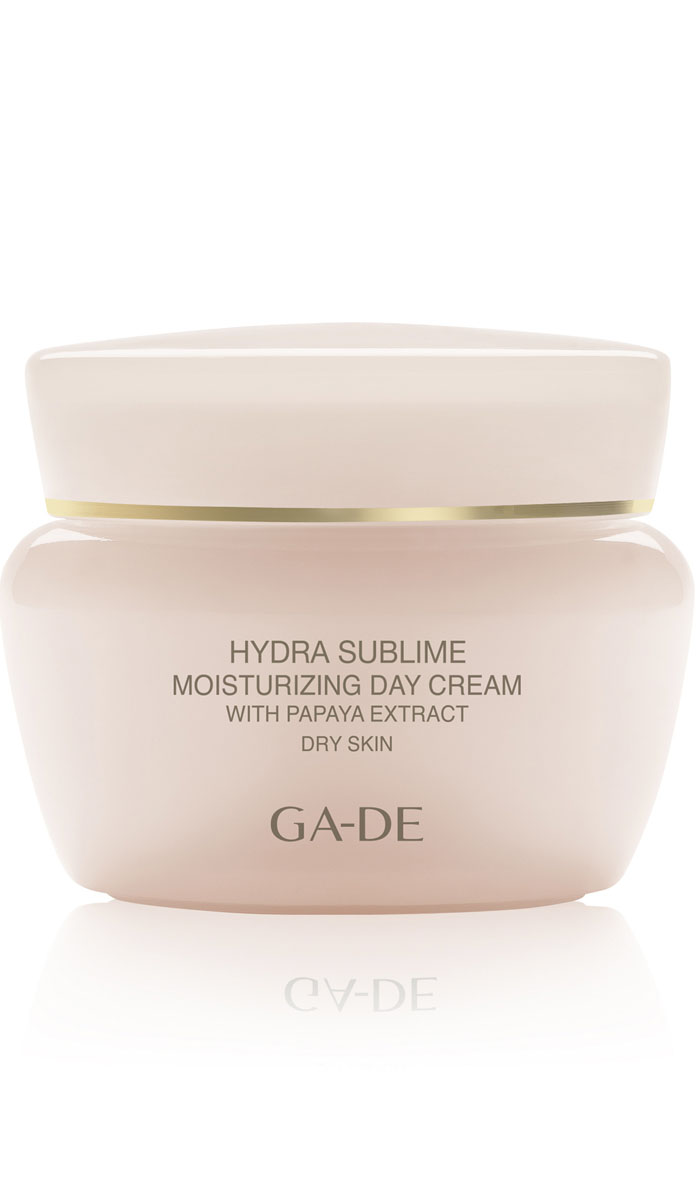 GA-DE Увлажняющий крем для сухой кожи Hydra Sublime spf 9, 50 мл124100000Увлажняющий крем Anti-age имеет сливочную консистенцию, обогащен экстрактами растений и фруктов. Эффективно увлажняет кожу и обеспечивает ей необходимое питание. Восстанавливает защитные функции, повышает упругость и эластичность, улучшает тонус кожи и защищает от агрессивного воздействия окружающей среды. Защищает от фотостарения.