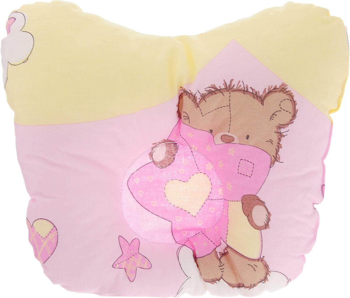 Сонный гномик Подушка анатомическая для младенцев Мишка 27 х 20 см555А/желтый, розовыйАнатомическая подушка для младенцев Сонный гномик Мишка изготовлена из бязи - 100% хлопка. Наполнитель - синтепон в гранулах (100% полиэстер).Подушка компактна и удобна для пеленания малыша и кормления на руках, она также незаменима для сна ребенка в кроватке и комфортна для использования в коляске на прогулке. Углубление в подушке фиксирует правильное положение головы ребенка.Подушка помогает правильному формированию шейного отдела позвоночника.