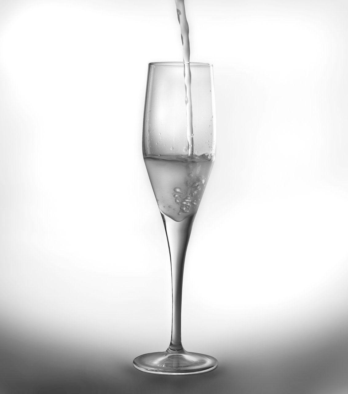 Набор бокалов для шампанского BergHOFF Casa, 215 мл, 6 шт2800000Набор BergHOFF Casa состоит из шести бокалов для шампанского, выполненных из стекла. Изделия оснащены ножками. Бокалы сочетают в себе элегантный дизайн и функциональность. Благодаря такому набору пить напитки будет еще вкуснее.