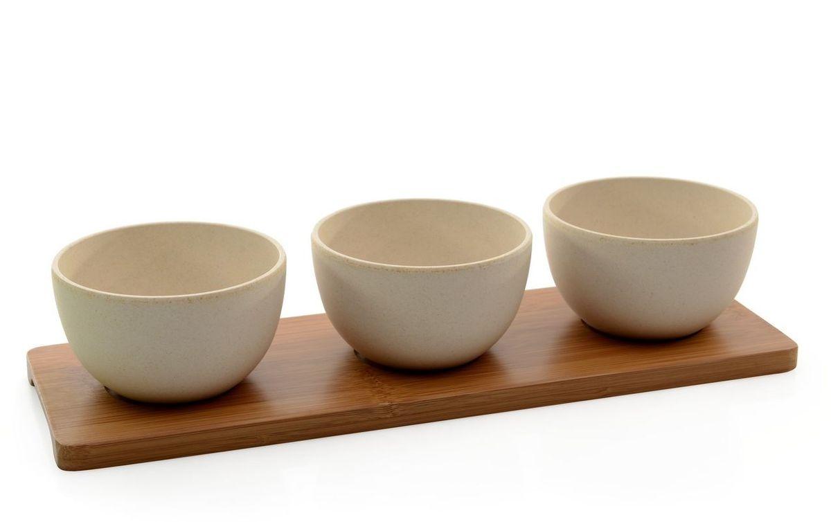 """Набор для закусок BergHOFF """"Cook&Co"""" состоит из  3-х мисок на сервировочной подставке. Миски обладают отличным качеством, стилем, инновационным дизайном! Миски изготовлены из бамбука в сочетании с меламином. Это износостойкий, полностью безопасный материал. Подходят только для холодных продуктов. Подставка выполнена из бамбука.  Отличный набор для красивой подачи на стол холодных закусок и салатов.  Рекомендована ручная мойка.  Диаметр: 10 см. Высота: 6 см. Размер подставки: 34 х 11 х 1,5 см."""