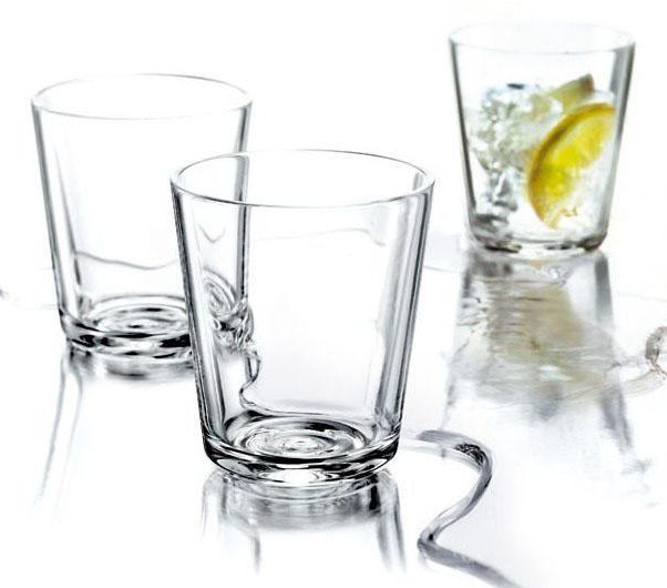 Набор из 12 стаканов для холодных и горячих (до 130°С) напитков. Также стаканы можно использовать для десертов. Прочное выдувное стекло. Объем 250 мл, простая и стильная форма. Стаканы подойдут для ежедневного использования и отлично будут смотреться на праздничном столе.