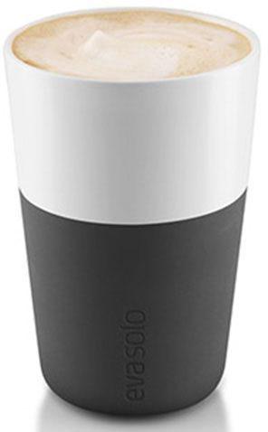 Чашки для латте Eva Solo, цвет: черный, белый, 360 мл, 2 шт501003ESЧашки для латте Eva Solo рассчитана на 360 мл - оптимальный объем для латте, (учитывая шапку молочной пены), а также стандартный объем для этого типа напитка у большинства кофемашин. Чашка изготовлена из фарфора и располагает специальным силиконовым чехлом: можно держать в руках, не рискуя обжечь пальцы. Чехол снимается, и чашку можно мыть в посудомоечной машине. В набор входят 2 чашки для латте.
