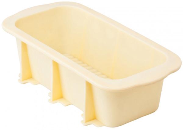 Форма для запекания Attribute Bake, 22,5 х 12,5 х 7 смAFS008Форма для запекания Attribute Bake позволит приготовить вкусную выпечку в домашних условиях. Форма выполнена из силикона - безопасного, гигиеничного материала. В отличие от железных форм, силикон не нагревается и отлично гнется, тем самым упрощает извлечение готового блюда из формы. Пища в такой форме не пригорает, после использования изделие легко моется.