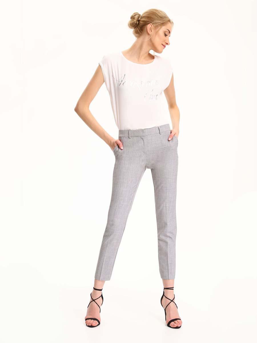 Брюки женские Top Secret, цвет: серый. SSP2472SZ. Размер 40 (48)SSP2472SZСтильные женские брюки Top Secret - брюки высочайшего качества на каждыйдень, которые прекрасно сидят. Модель изготовлена из полиэстера с добавлением вискозы и эластана.Спереди по бокам имеются два прорезных кармана. Пояс оснащен шлевками.Модные и комфортные брюки послужат отличным дополнением к вашему гардеробу, в них вы всегда будете чувствовать себя уютно и комфортно.