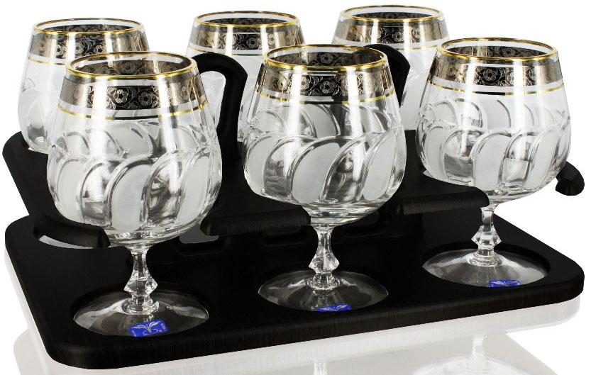 Набор бокалов для бренди Гусь-Хрустальный Флорис, на подставке, 400 мл, 6 штTD32-27833-БСНабор Гусь-Хрустальный Флорис состоит из 6 бокалов для бренди, изготовленных из высококачественного стекла, и подставки для них. Изделия оформлены красивым золотистым орнаментом. Такой набор прекрасно дополнит праздничный стол и станет желанным подарком в любом доме. Разрешается мыть в посудомоечной машине. Не использовать в СВЧ печи и на открытом огне.Высота бокала: 14 см. Объем бокала: 400 мл.