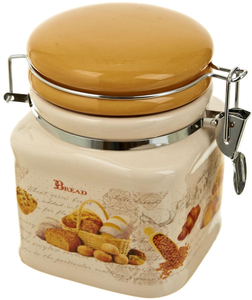 Банка для сыпучих продуктов Polystar Хлеб, 500 млL1581915Банка для сыпучих продуктов Хлеб изготовлена из прочной керамики, закрывается крышкой. Банка прекрасно подойдет для хранения различных сыпучих продуктов: чая, кофе, сахара, круп и многого другого. Благодаря силиконовой прослойке и бугельному замку, крышка герметично закрывается, что позволяет дольше сохранять продукты свежими. Изящная емкость не только поможет хранить разнообразные сыпучие продукты, но и стильно дополнит интерьер кухни.Объем: 500 мл.