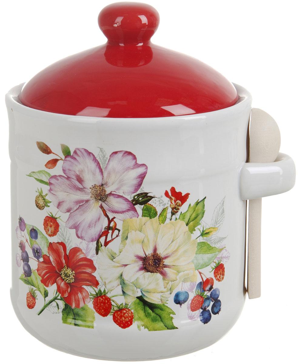 Банка для сыпучих продуктов Polystar Summer, с ложкой, 900 млL2430925Банка для сыпучих продуктов Summer изготовлена из прочной керамики, с деревянной ложечкой. Изделие оформлено красочным цветочным изображением. Банка прекрасно подойдет для хранения различных сыпучих продуктов: чая, кофе, сахара, круп и многого другого. Изящная емкость не только поможет хранить разнообразные сыпучие продукты, но и стильно дополнит интерьер кухни. Изделие подходит для использования в посудомоечной машине.Объем: 900 мл.