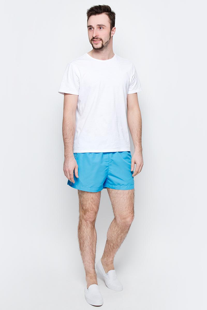 Шорты для плавания мужские Calvin Klein Underwear, цвет: голубой. KM0KM00104_476. Размер L (50/52)KM0KM00104_476Мужские шорты для плавания Calvin Klein Underwear выполнены из водоотталкивающей ткани. Модель имеет широкую эластичную резинку на поясе. Объем талии регулируется при помощи шнурка. Шорты дополнены двумя втачными карманами спереди и одним накладным карманом сзади. Шорты оформлены принтом с названием бренда.