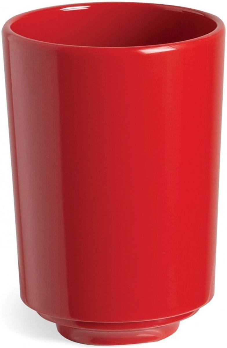 Стакан для ванной Umbra Step, цвет: красный, 10,8 х 8,3 х 8,3 см023835-505Стакан для ваннойUmbra Step - важный предмет, который мы используем ежедневно для полоскания рта или даже просто как подставку для щеток. Он нужен всем и всегда, это бесспорно. Немного экспериментировав с формой, дизайнеры создали стакан Step, который придется кстати в любом доме.Размеры: 8,3 х 10 х 8,3 см
