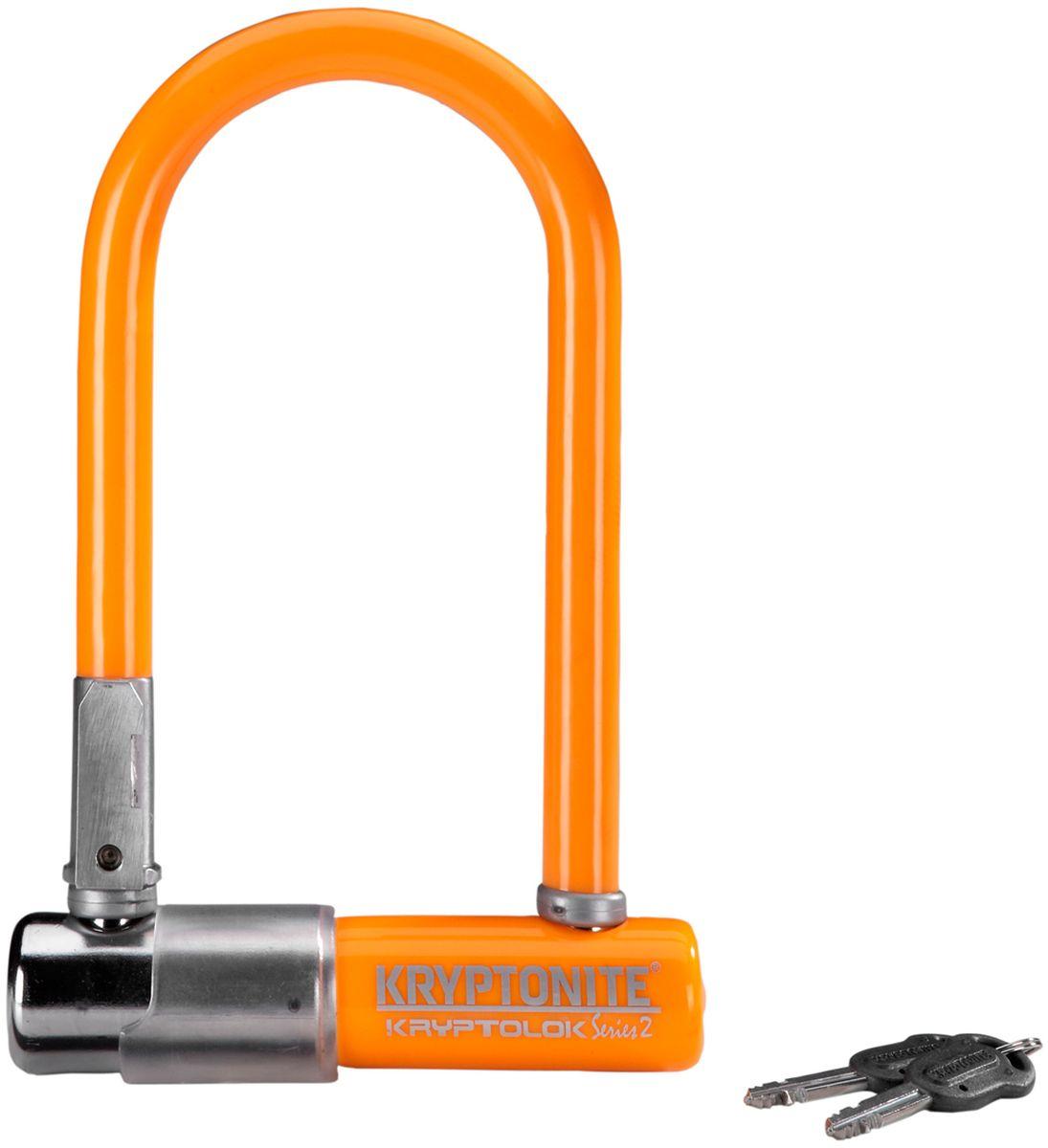 Замок велосипедный Kryptonite U-locks KryptoLok Series 2 Mini-7, U-образный, цвет: оранжевый, 8,2 х 17 см0720018001577Велозамок Kryptonite Kryptolok series 2 Mini-7 имеет компактный размер, надёжность и яркую цветовую гамму.Уникальный набор ключей, 13-ти миллиметровая дужка и двойная конструкция засова гарантированно не поддадутся кусачкам и взлому. Благодаря своим габаритам, u-lock легко возить с собой в сумке или за ремнем.Характеристики:- 13 мм закаленная стальная скоба;- Система Transit Flex Frame-U для крепления к раме байка;- Виниловое покрытие, не оставляющее царапин на раме;- Защита от стука и шума;- Защита от пыли и влаги;- В комплекте - 2 ключа;- Уровень защиты 6 из 10.Диаметр дуги замка: 13 мм.Размеры замка: 8,2 х 17 см.Вес модели: 1,11 кг.